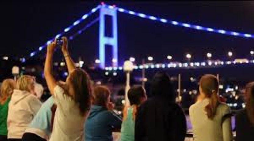 Bosphorus Dinner Cruise & Belly Dancing Show